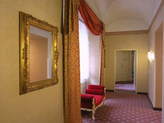 Gang - Pertschy Palais Hotel - Wien Zentrum